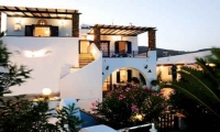 Irini Apartments and Studios